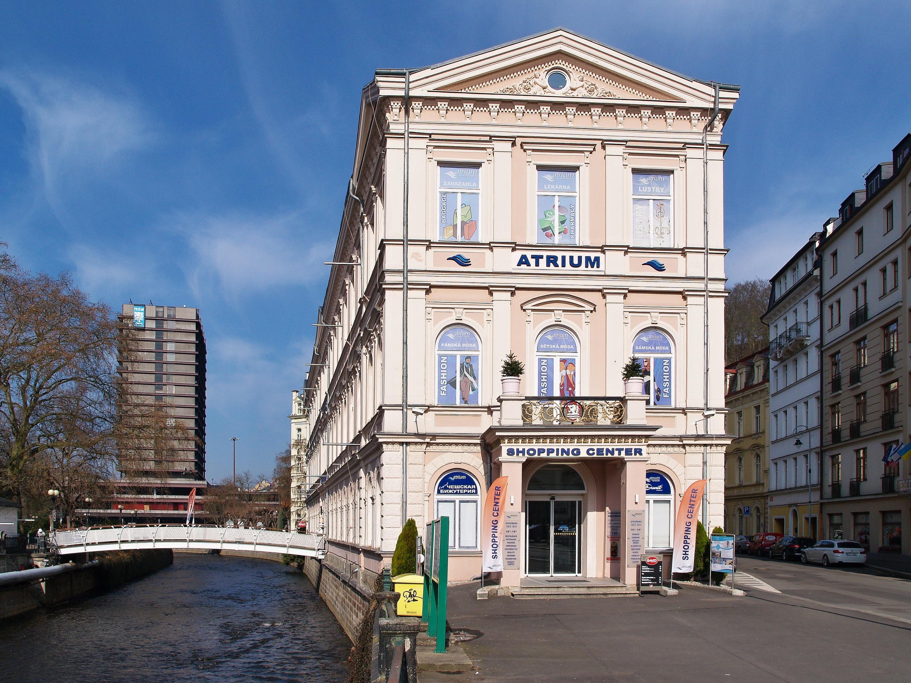 Nákupní centrum ATRIUM v Karlových Varech