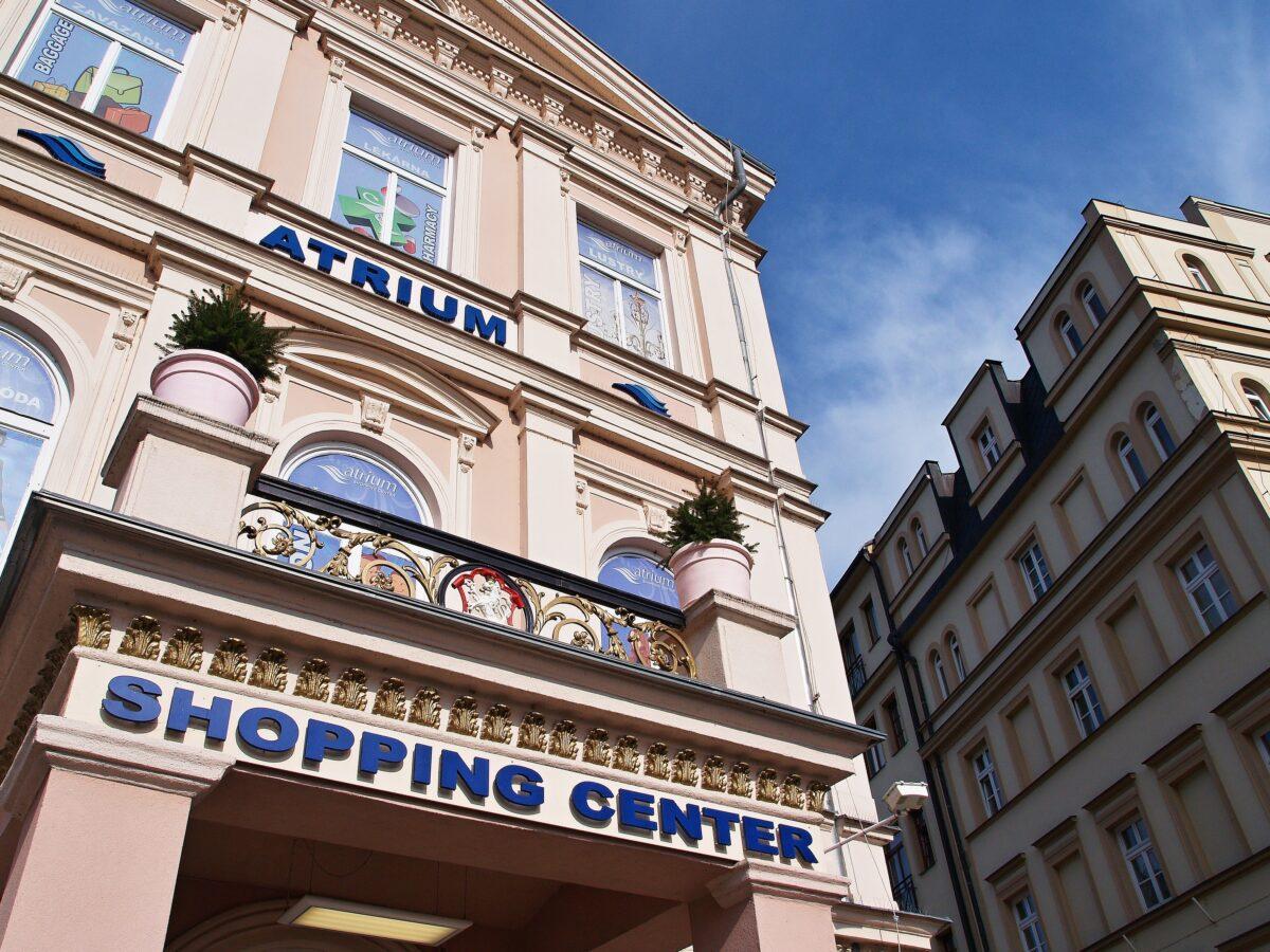 Atrium, nákupy v Karlových Varech